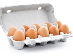 Kaum ein Ei wird heutzutage ohne Sojabohnen erzeugt. Im konventionellen Bereich bisher in aller Regel mit genveränderter Ware aus Übersee. Foto: www.fotolia.com