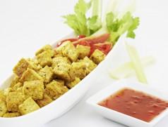 Tofu aus deutschen Sojabohnen ist mittlerweile in vielfältigen Varianten und in bester Qualität erhältlich. Foto: Taifun Tofuprodukte